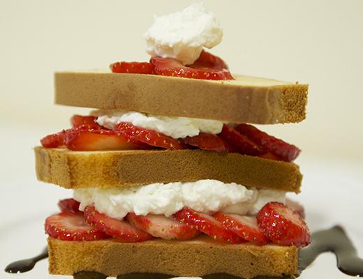 BlogPost_4_Strawberry_Shortcake_with_Chocolate_Sauce