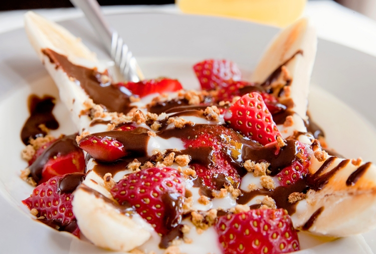 healthy banana split